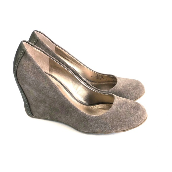 Kenneth Cole Reaction Shoes - Kenneth Cole Reaction Did U Tell Wedge Pumps Sz 8